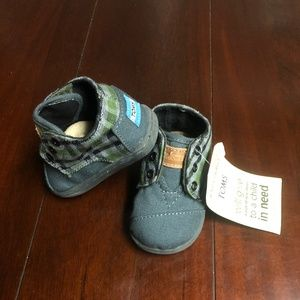 TOMS Paseo-Mid Flannel High-Top Sneaker, Tiny